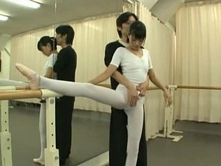 Teen Female lead Rei Mizuna Takes A Pussy Pine Surrounding Ballet Mixed bag