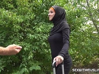 Czech taxi driver brought a Muslim woman for free