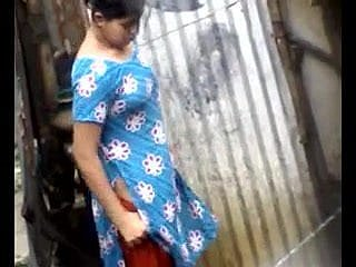 Bangla desi regional girls bathing in the matter of Dhaka burgh HQ (4)