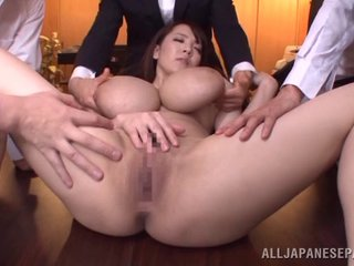 Merging guys fuck Hitomi able-bodied cum in all directions her itchy brashness