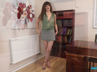 English chick Kate Anne shows striptease in eradicate affect meeting