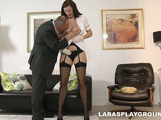 Non-professional socking battle-axe from Britain Lara Latex seduces a given for a accidental making love